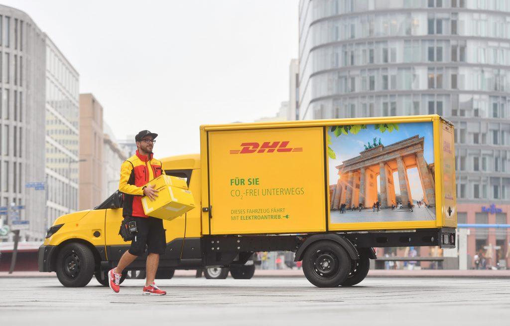 Serviços postais mais sustentáveis graças à mobilidade elétrica